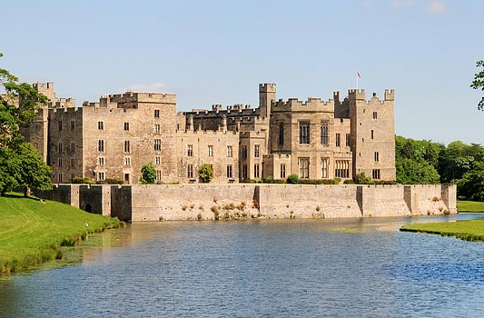 How to get to Raby Castle